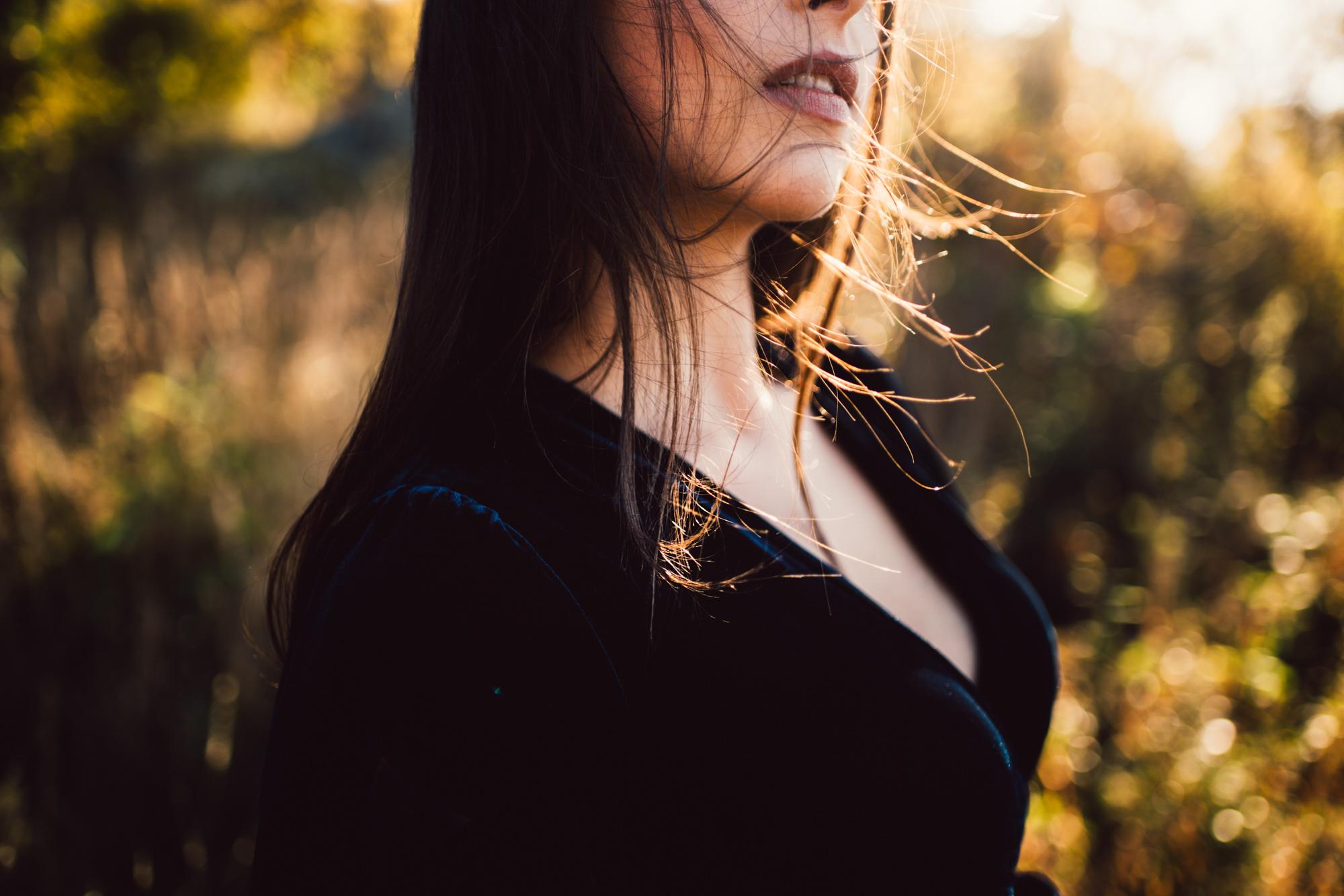 Megan_Shenandoah_National_Park_Windy_Romantic_Portraits_47_1.JPG