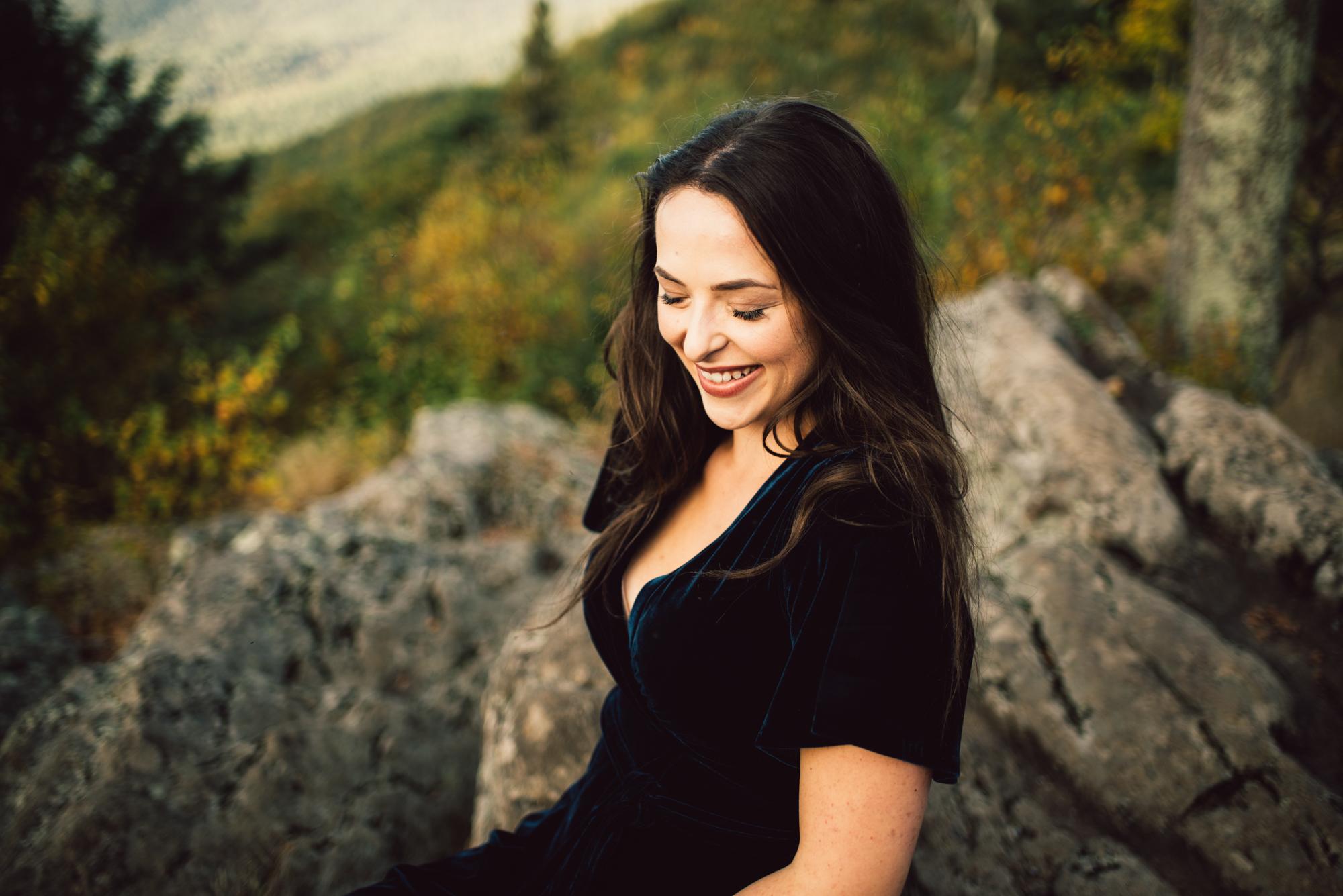 Megan_Shenandoah_National_Park_Windy_Romantic_Portraits_75.JPG