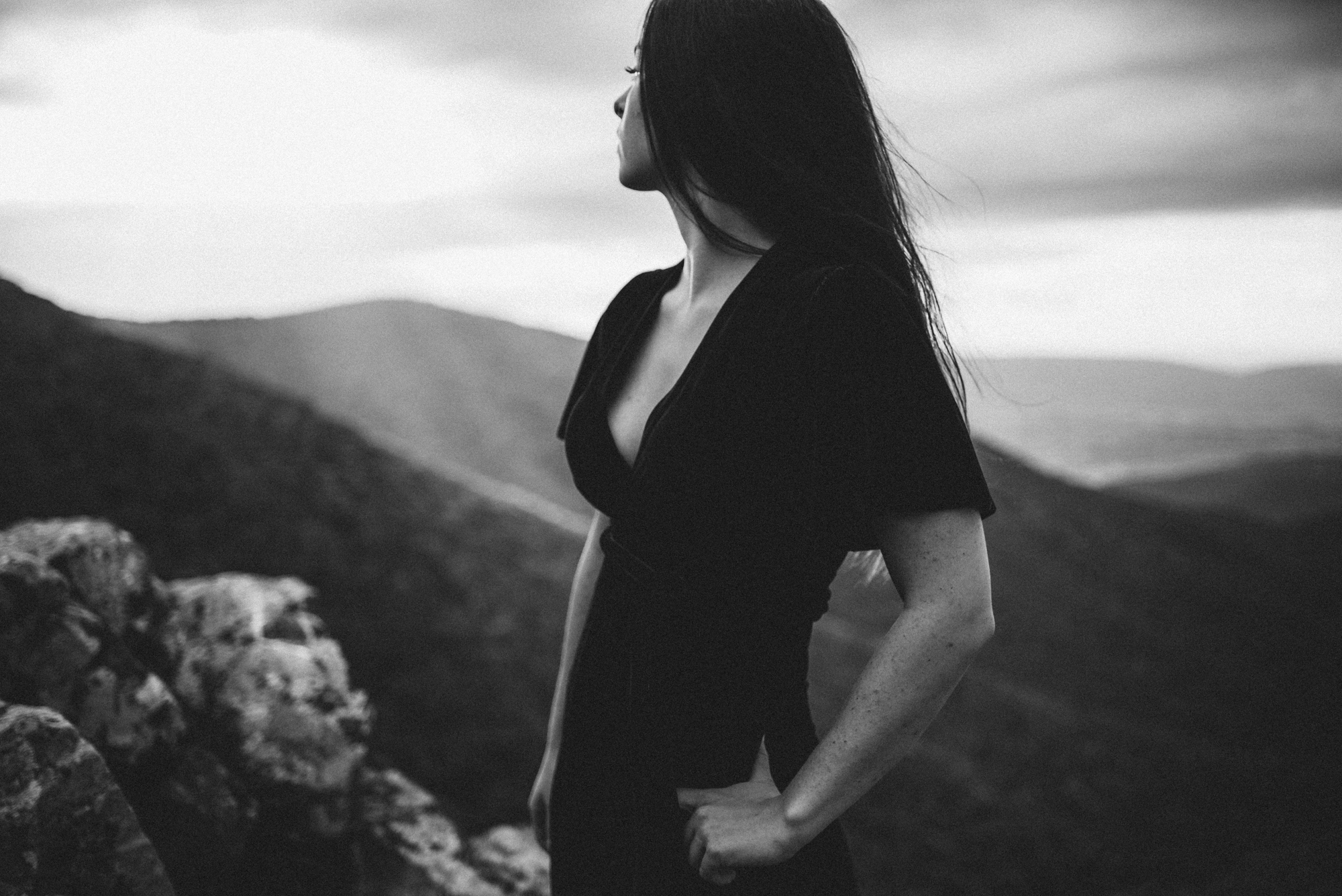 Megan_Shenandoah_National_Park_Windy_Romantic_Portraits_84.JPG