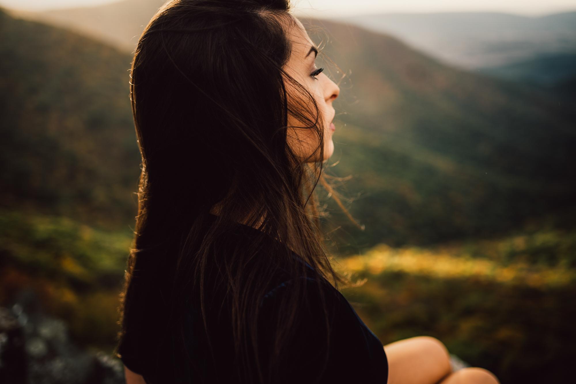 Megan_Shenandoah_National_Park_Windy_Romantic_Portraits_101.JPG