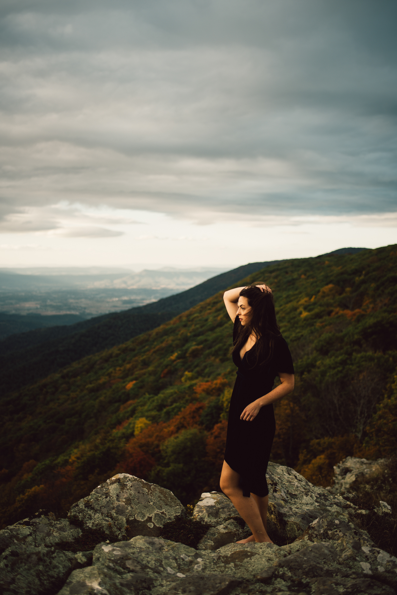 Megan_Shenandoah_National_Park_Windy_Romantic_Portraits_128.JPG
