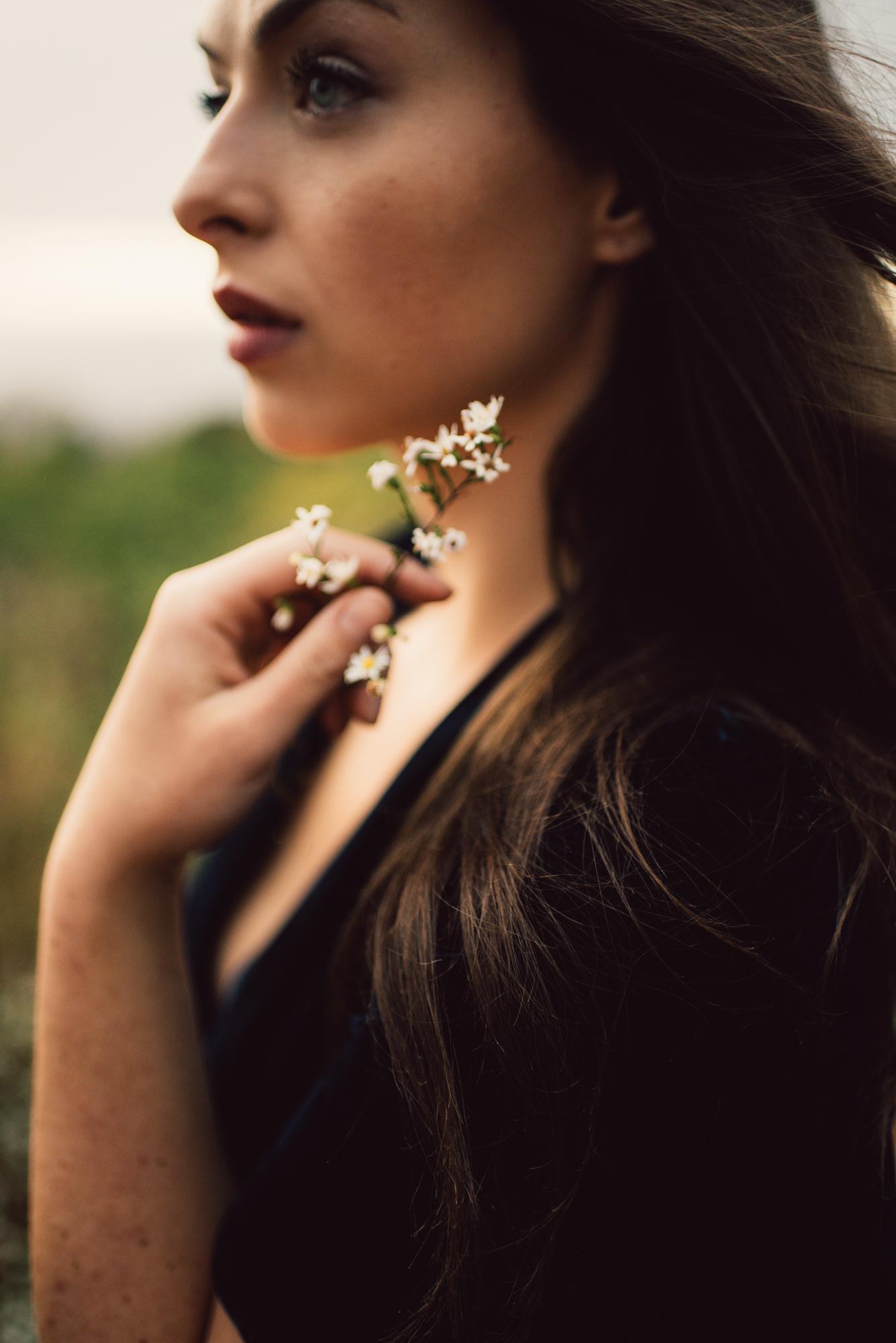 Megan_Shenandoah_National_Park_Windy_Romantic_Portraits_166.JPG