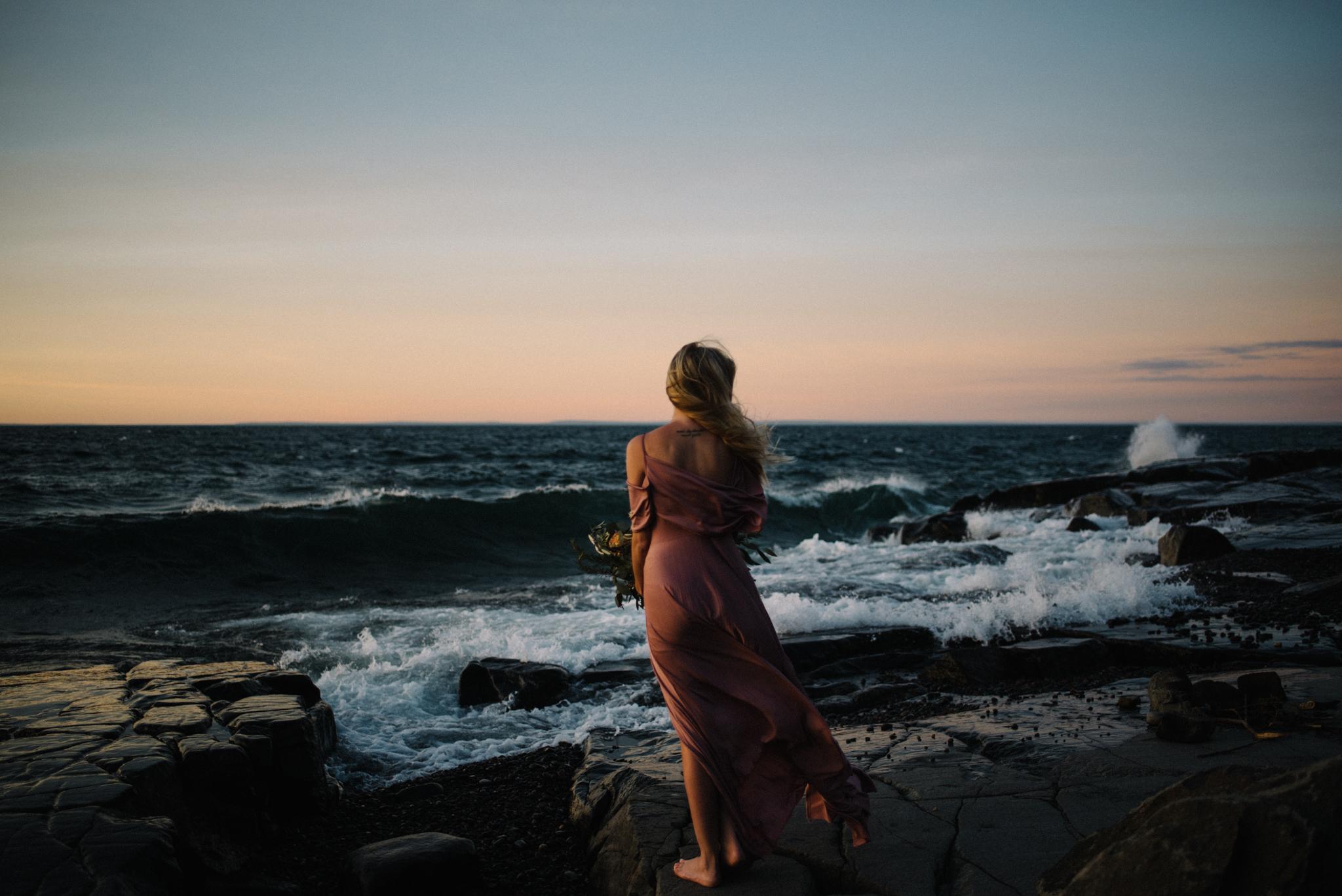 Madeira Creative - Clare Kolars - Emilee Bridal Portraits - White Sails Photography - North Shore - Lake Superior_22.JPG