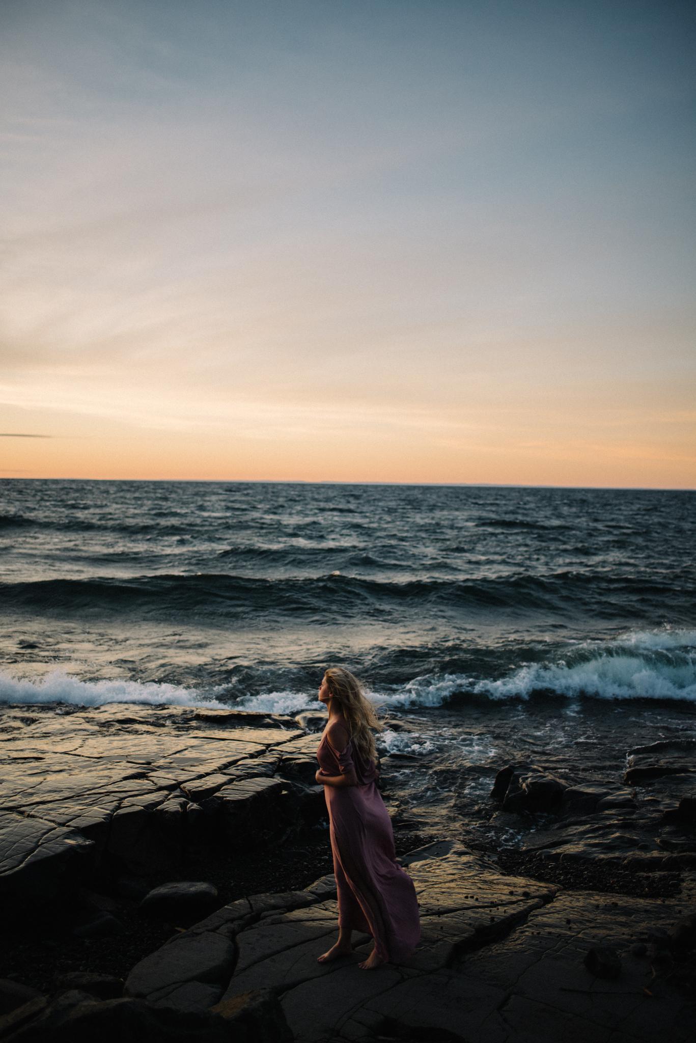 Madeira Creative - Clare Kolars - Emilee Bridal Portraits - White Sails Photography - North Shore - Lake Superior_4.JPG