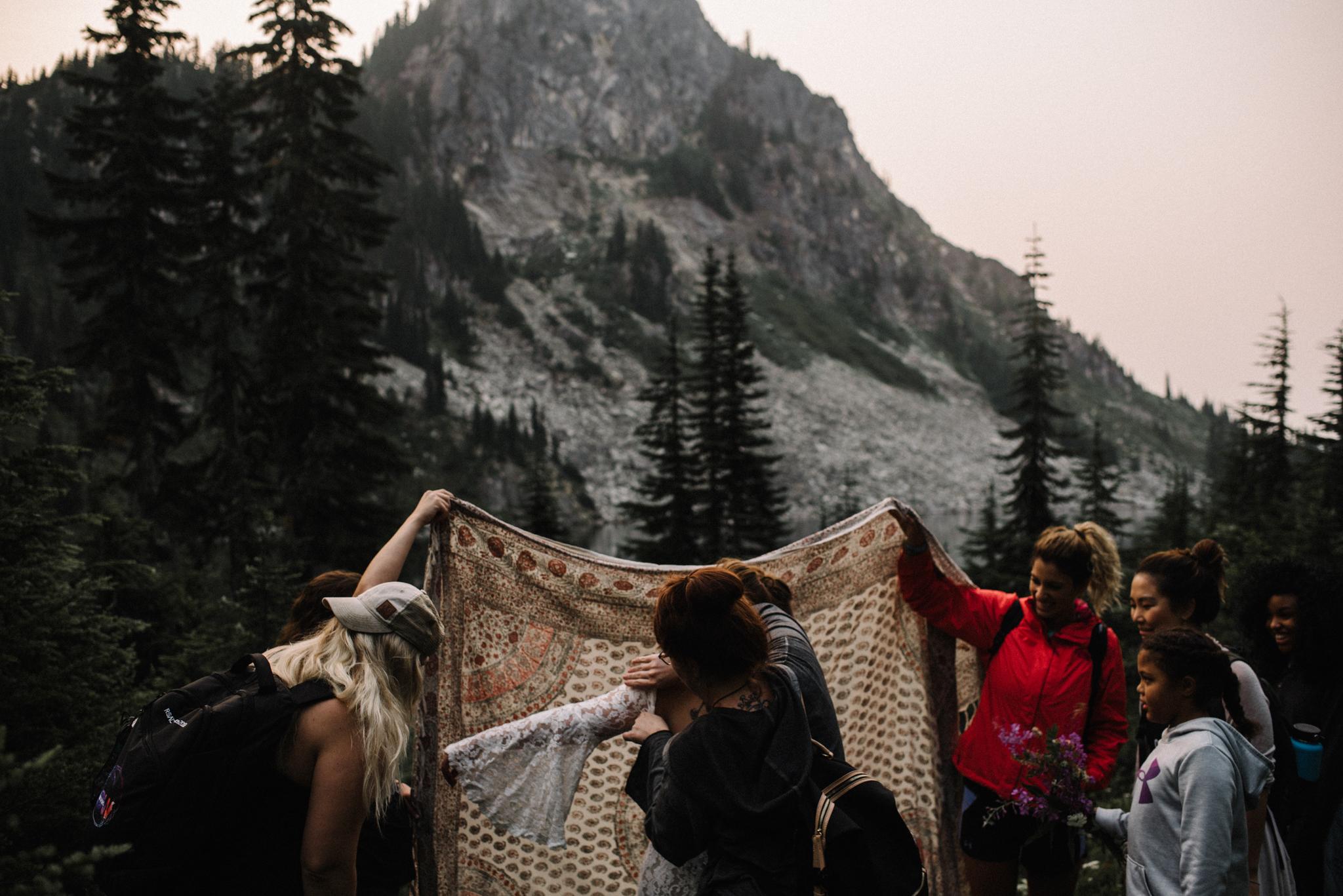 Megan and Andrew Lake Valhalla Washington PNW Adventure Elopement White Sails Creative Sunrise Hike_47.JPG
