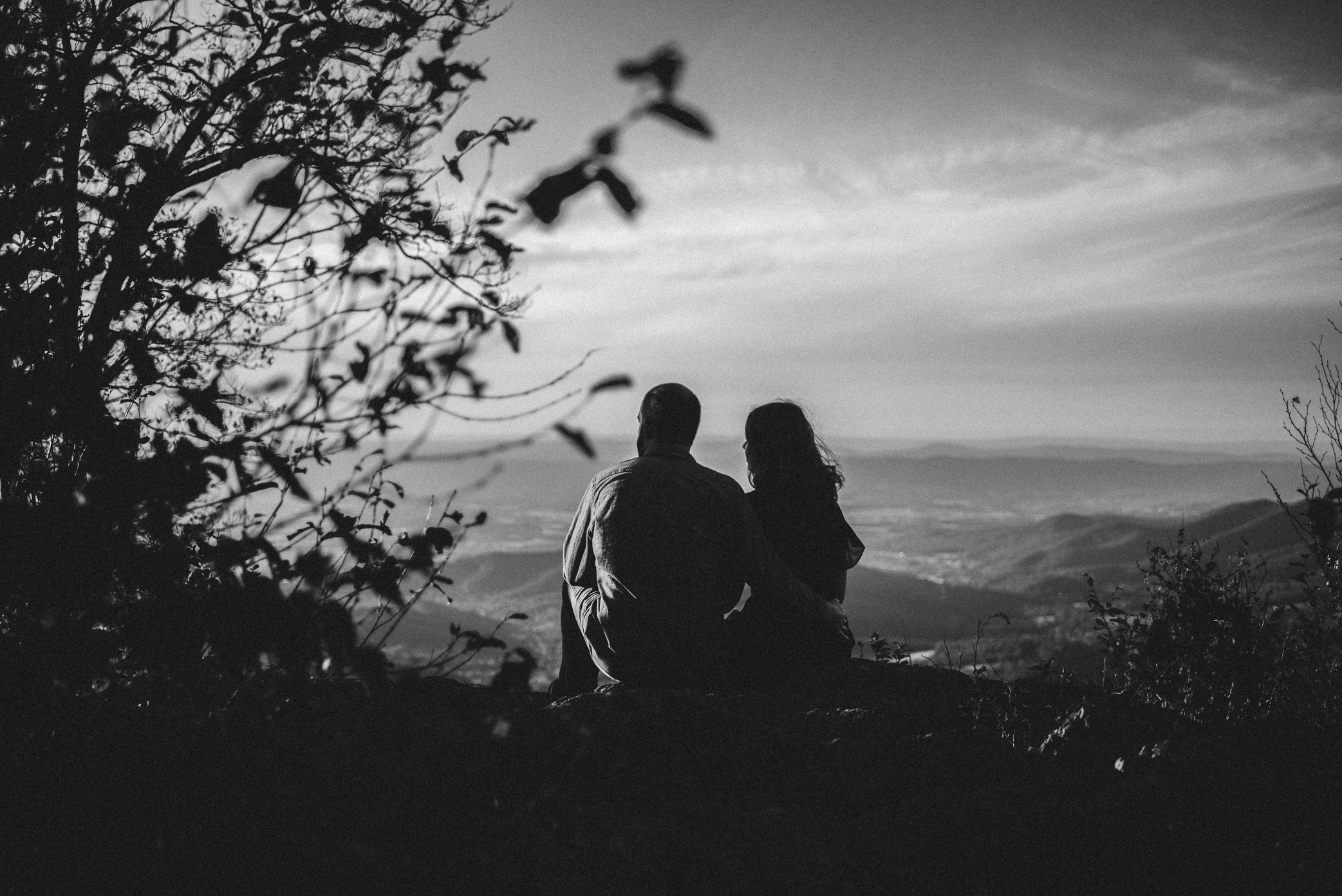 Molly and Zach Engagement Session - Fall Autumn Sunset Couple Adventure Session - Shenandoah National Park - Blue Ridge Parkway Skyline Drive - White Sails Creative_4.JPG