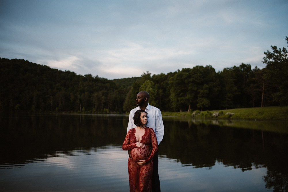 Rachel and Eric Adventurous Lake Maternity Session  Luray Virginia Maternity Photographer Blue Ridge Mountains_9.jpg