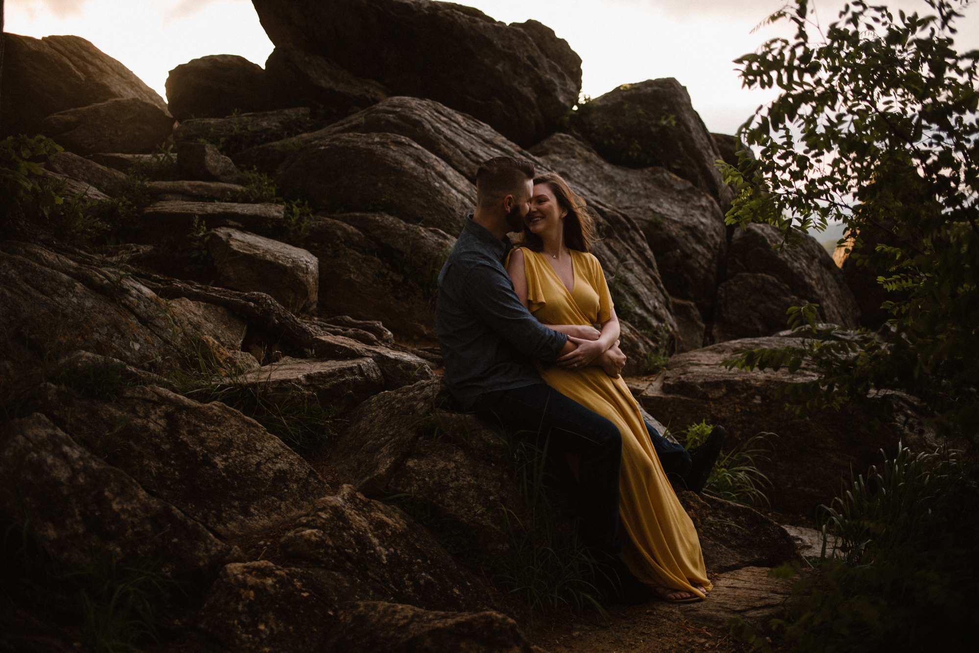Camryn and Larry Sunrise Engagement Session in Shenandoah National Park - Things to Do in Luray Virginia - Adventurous Couple Photo Shoot White Sails Creative_15.jpg