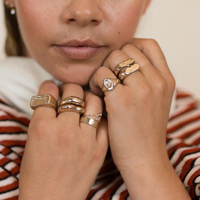 I love this photo. Partially because I love rings, but mostly because of all the women and their talents involved in making this photo.  @ladyjonesdenver provided wardrobe, @lindseyboluyt nailed these photos, and @badgalmimii (swoon) modeled her heart out. Thanks ladies for being part of this creative dream team-you make Oxbow so much larger than a one lady show ♥️.