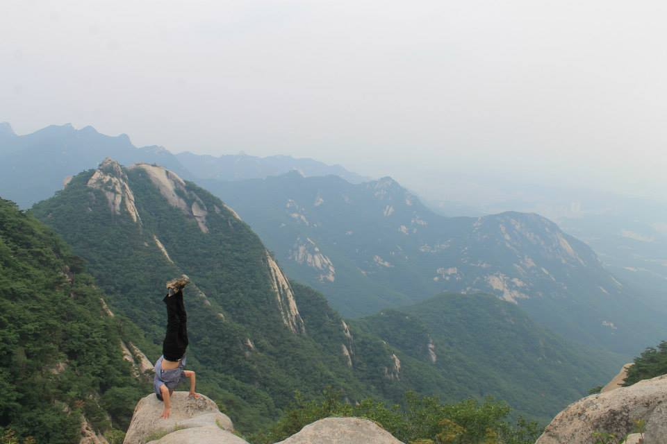 This man was doing head stands and jumping rock to rock on the edge of these rocks!