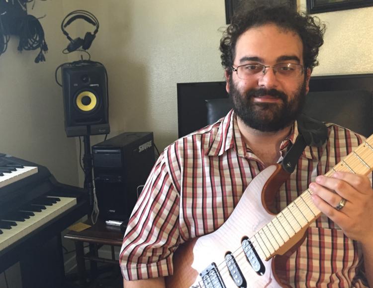 Guitar, Ukelele, Bass & Piano Teacher Jeffrey Shapiro