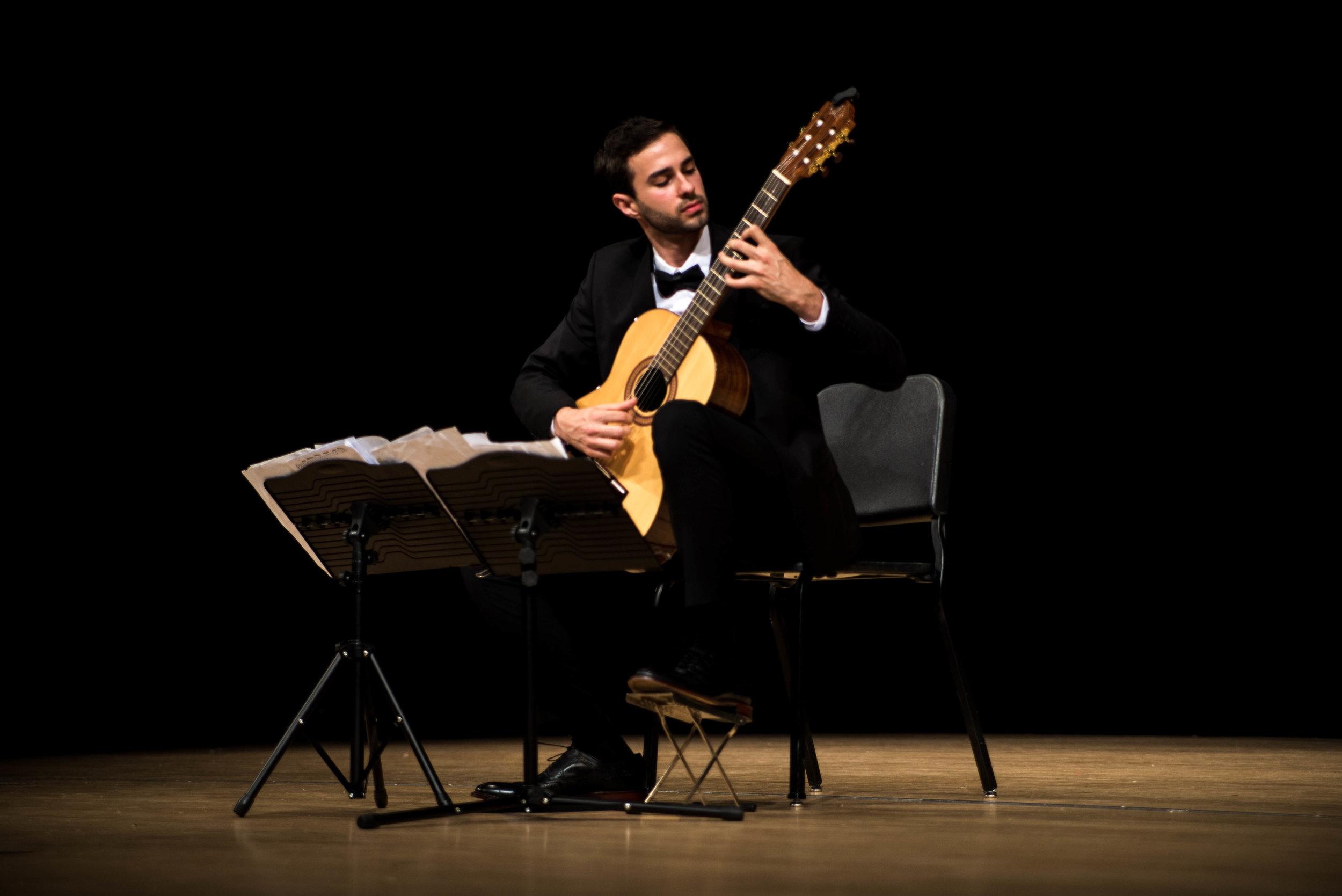 Guitar, Piano & Bass Teacher Nicholas Omary