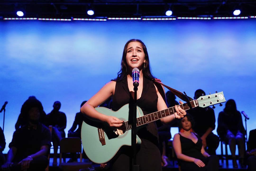 Guitar Teacher Amy Avila-Sterling
