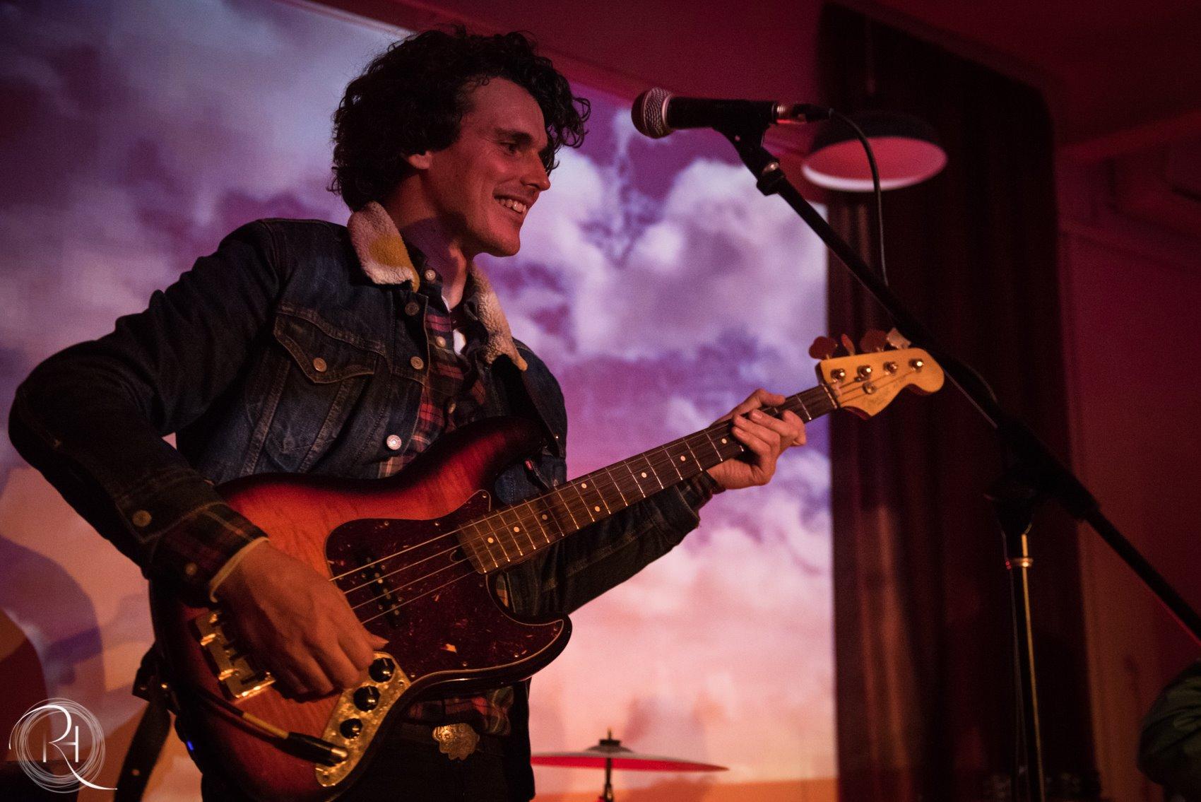 Bass, Guitar, Voice & Piano Teacher Seán_van_Doornum