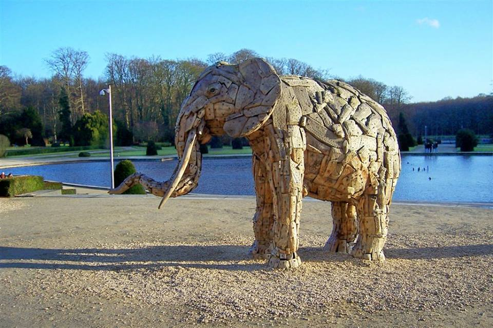 A trunkophant made of sticks!! That is crazybananas plus also soopercool too!!