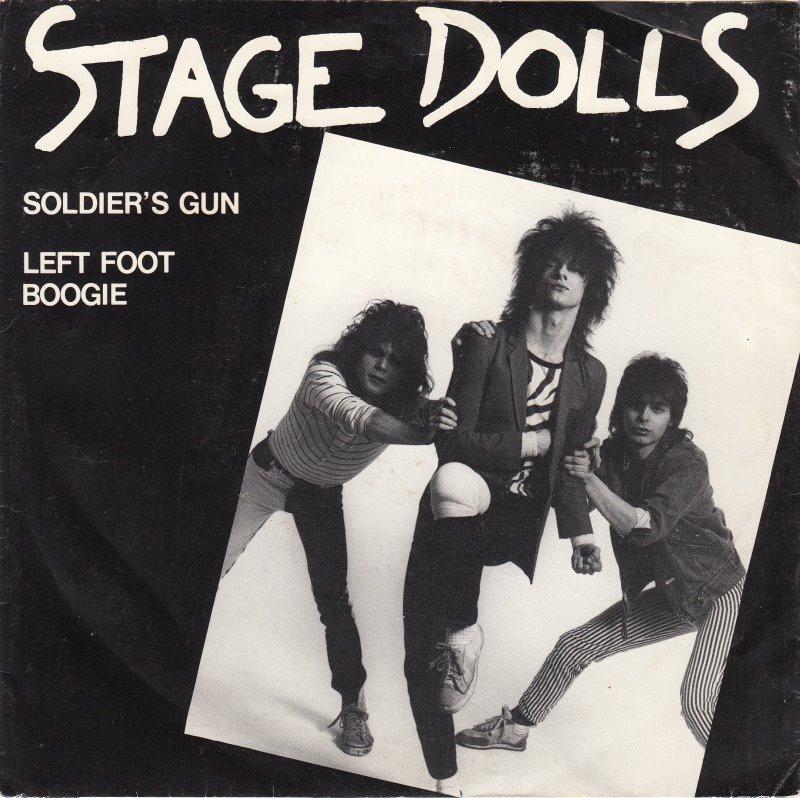 stage-dolls-soldiers-gun-mercury.jpg