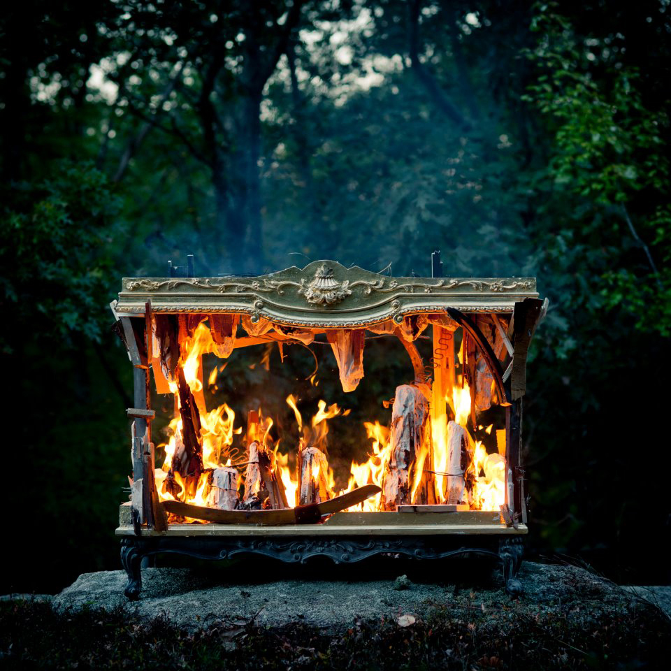 altar-burning.jpg