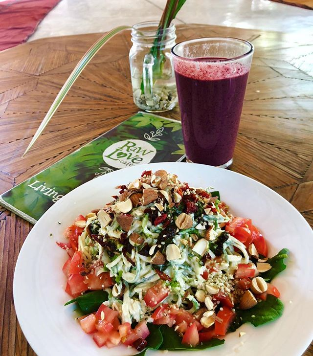 Woke up with a bit of a sore throat. Went straight to a 2 hour nap after intensive Spanish class, then had a bigass açai smoothie + huge plate of #zoodles with a creamy (#vegan) pesto sauce. Went back to 💯right away. #LetFoodBeThyMedicine ⠀⠀⠀⠀⠀⠀⠀⠀⠀⠀⠀⠀ ⠀⠀⠀⠀⠀⠀⠀⠀⠀⠀⠀⠀ ⠀⠀⠀⠀⠀⠀⠀⠀⠀⠀⠀⠀ ⠀⠀⠀⠀⠀⠀⠀⠀⠀⠀⠀ ⠀⠀⠀⠀⠀⠀⠀⠀⠀⠀⠀⠀ ⠀⠀⠀⠀⠀⠀⠀⠀⠀⠀⠀⠀ ⠀⠀⠀⠀⠀⠀⠀⠀⠀⠀⠀⠀ #paleogfparis #paleo #healthy #eatclean #wholefoods #eatmoreplants #dairyfree  #plantbased #sugarfree #paleogftulum #instafit #nutrition #sansgluten #entrepreneur #cleaneating #mangerbien #tulum #mexico  #tulummexico #paleogftulum #plantbasedfood #plantbasedpower #plantbasednutrition #rawveganlife ##rawveganfood #rawveganlunch
