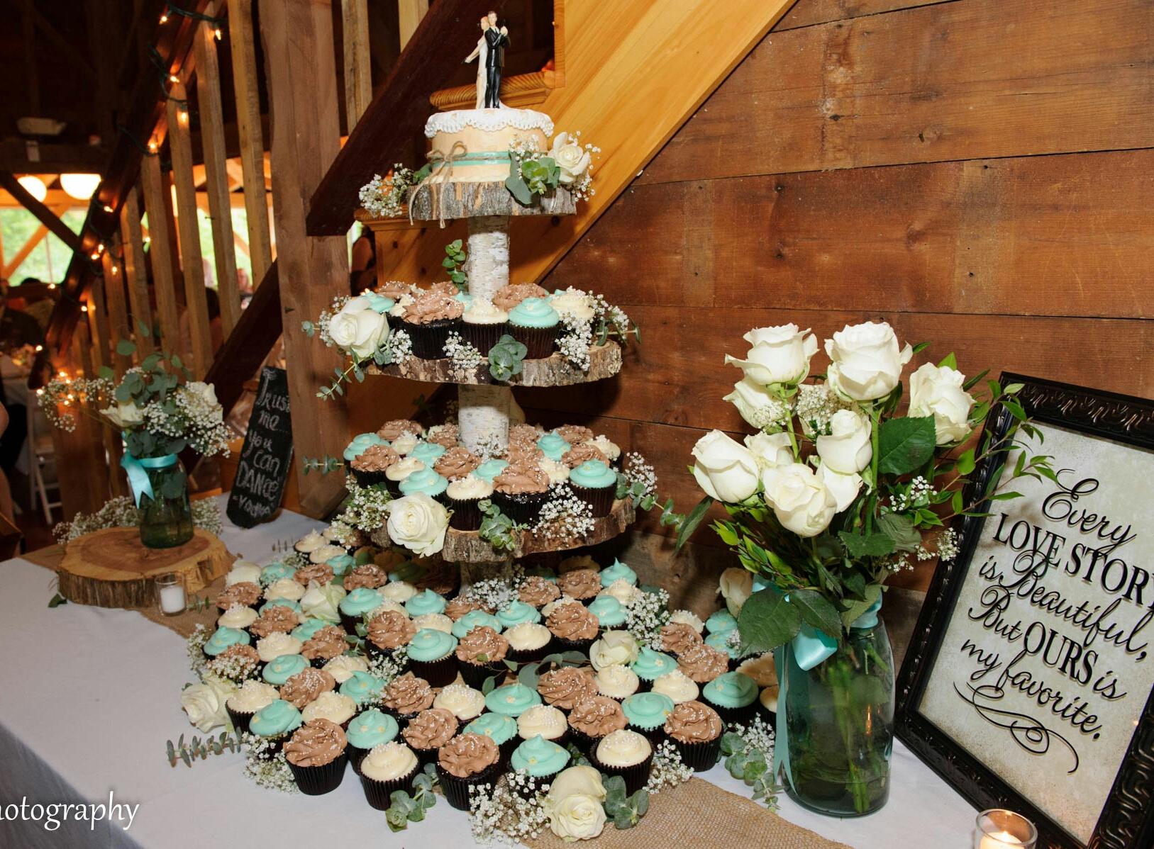 b&joe cupcakes.jpg