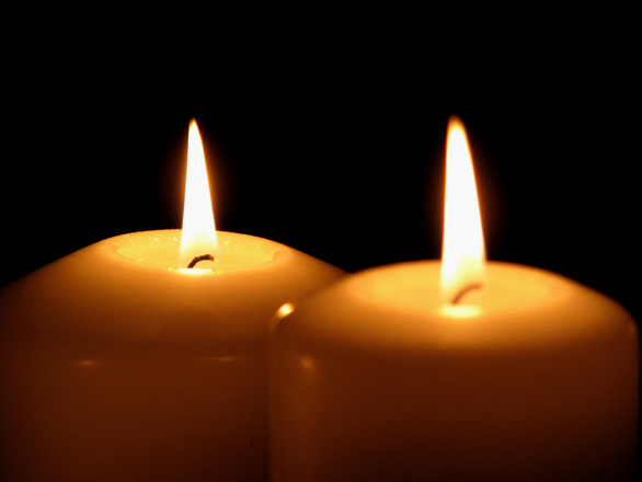 2-candles. 1312484.jpg