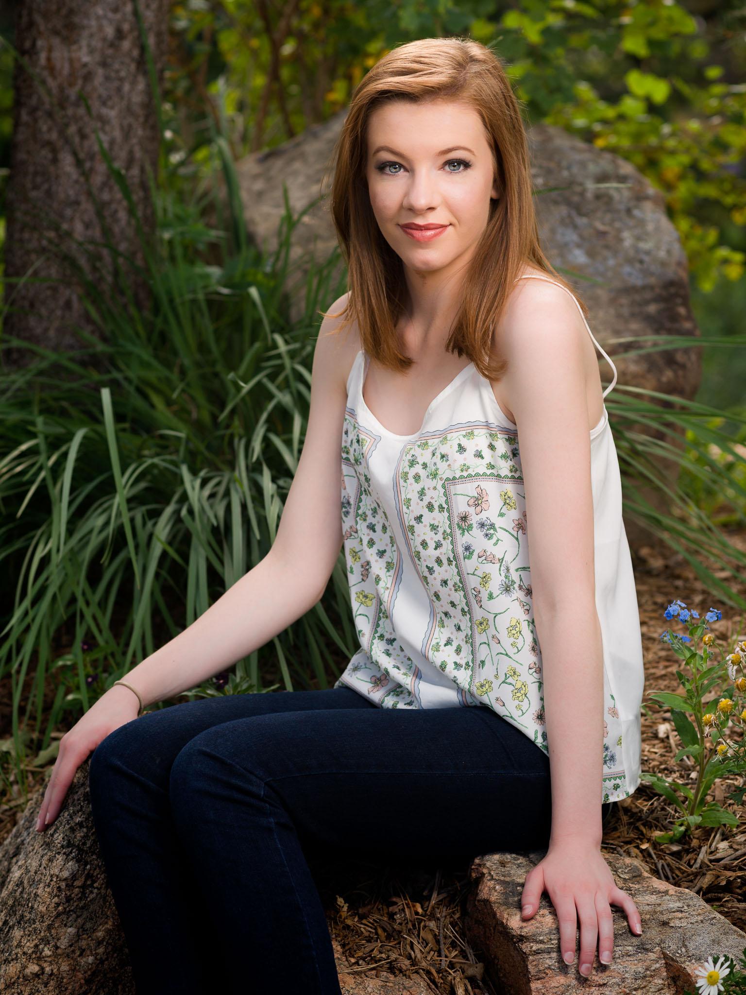 Paige A, HSJr Shoot, 4 Screen_D6X0824-Edit.JPG