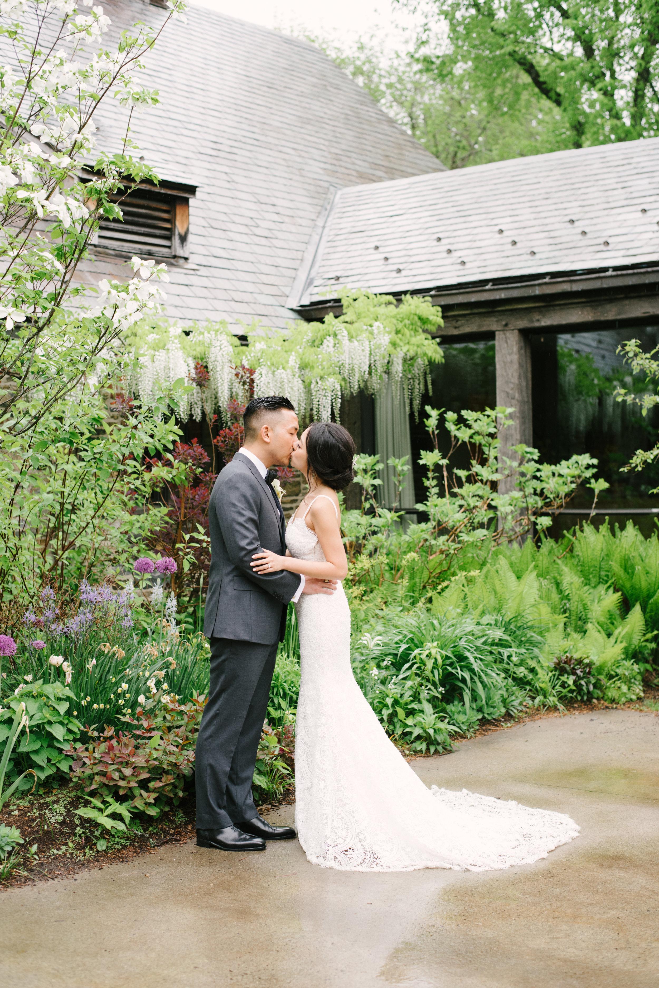 blue-hill-stone-barns-wedding-017.jpg