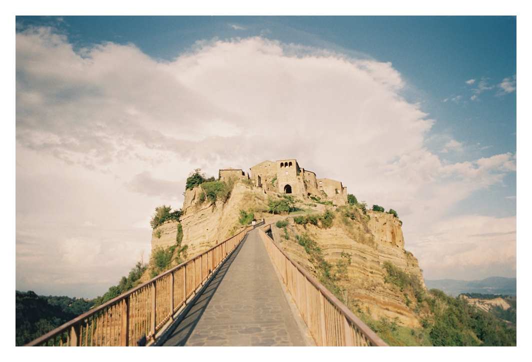 umbria-destination-wedding-photographer-civita-di-bagnoregio_0001.jpg