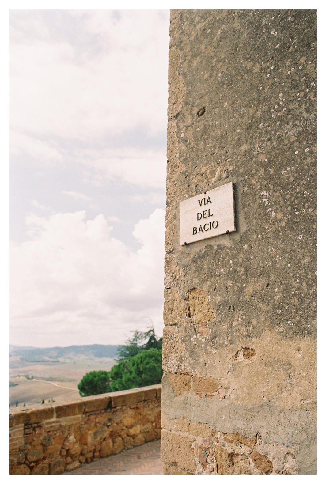 tuscany-destination-wedding-photographer-pienza_0002.jpg