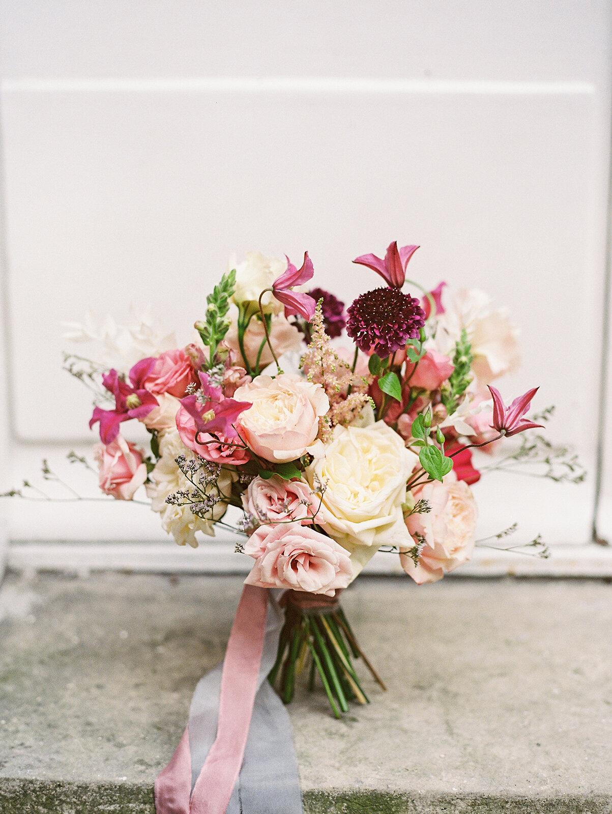 pink-small-bride-bouquet-williamsburg-photo-studios