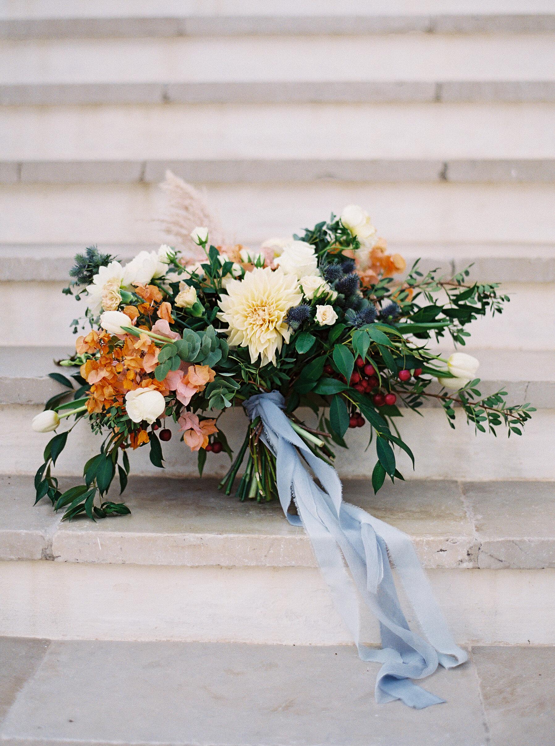 Large-wedding-bouquet-dahlia-williamsburg-photo-studios