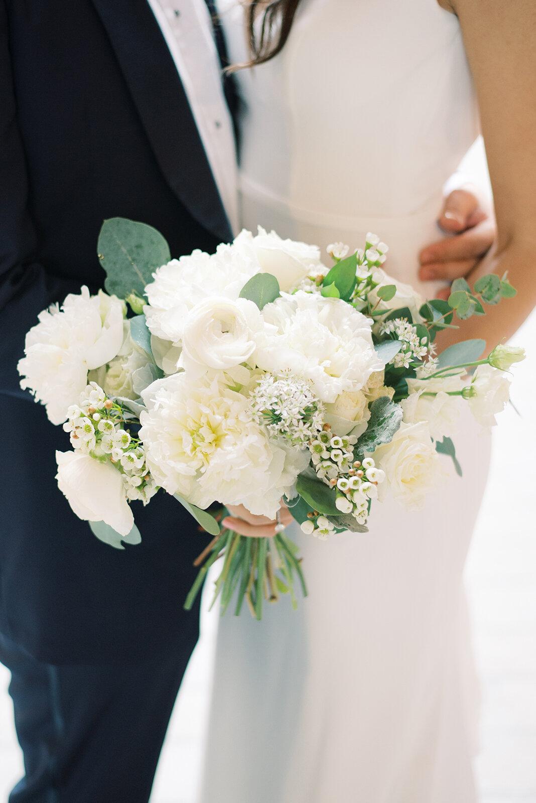white-peony-bridal-bouquet-williamsburg-photo-studios