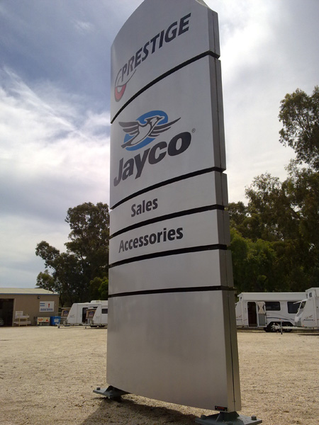 Prestige pylon 2 signs Geelong.jpg