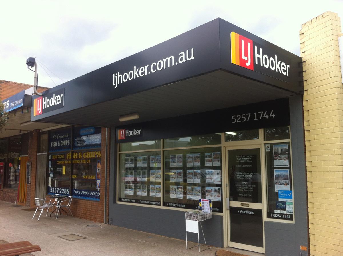 LJ Hooker Signs Geelong 2.jpg