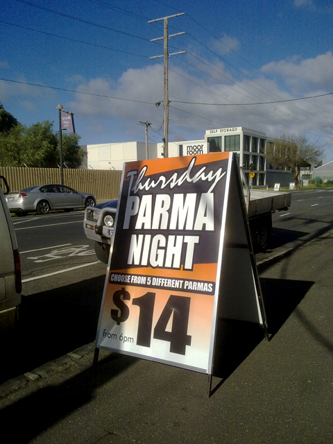Thurs Parma Night signs Geelong.jpg