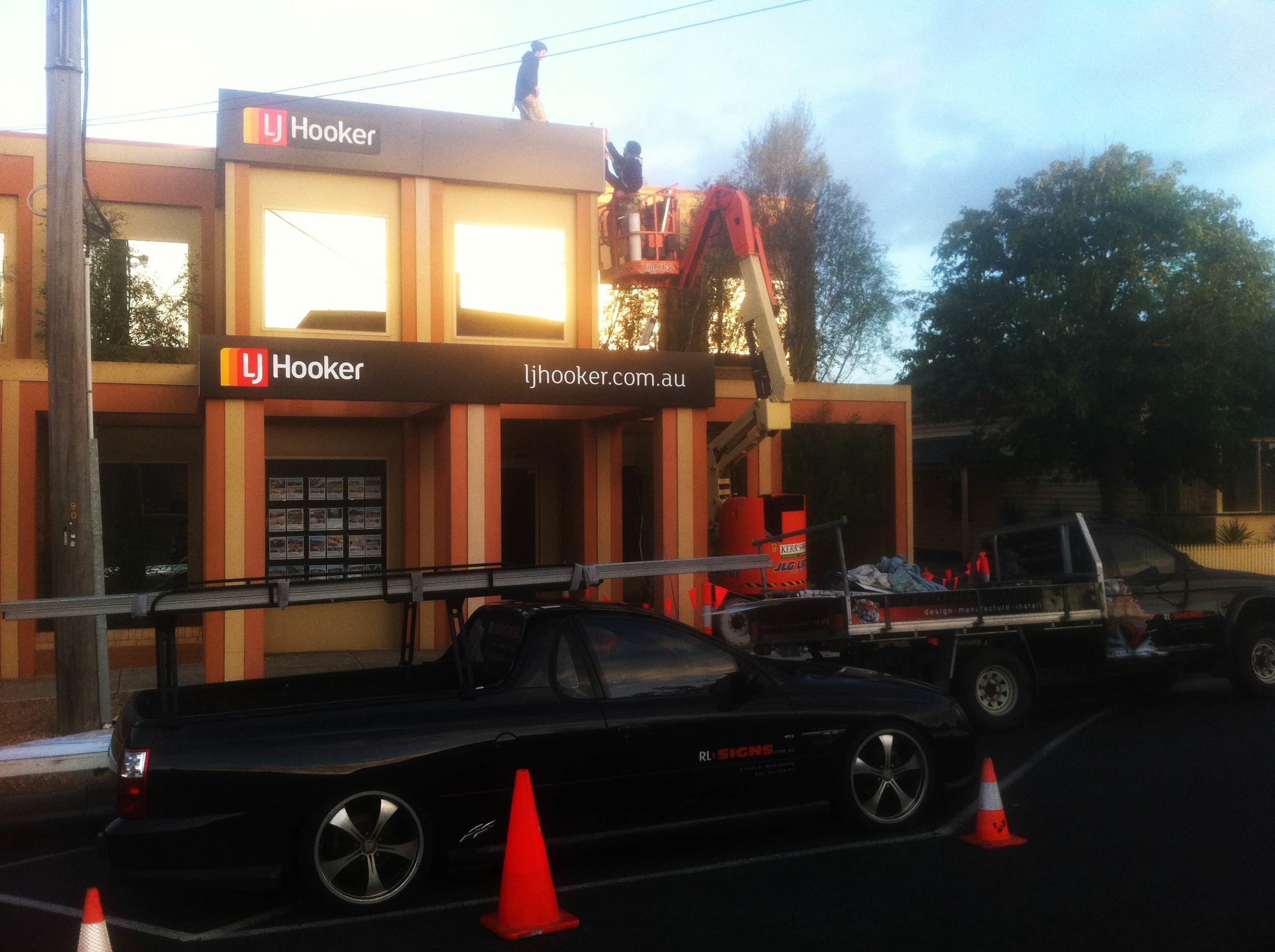 LJ Hooker Corporate Signs Geelong.jpg