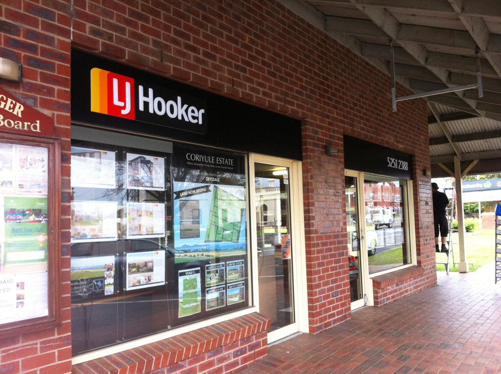 LJ Hooker Signs Geelong.jpg