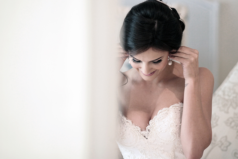 nicole-flint-miss-southafrica-wedding-cranford-country-lodge-wedding-weddingphotographers-desitnationweddings-parisweddings-003k.jpg