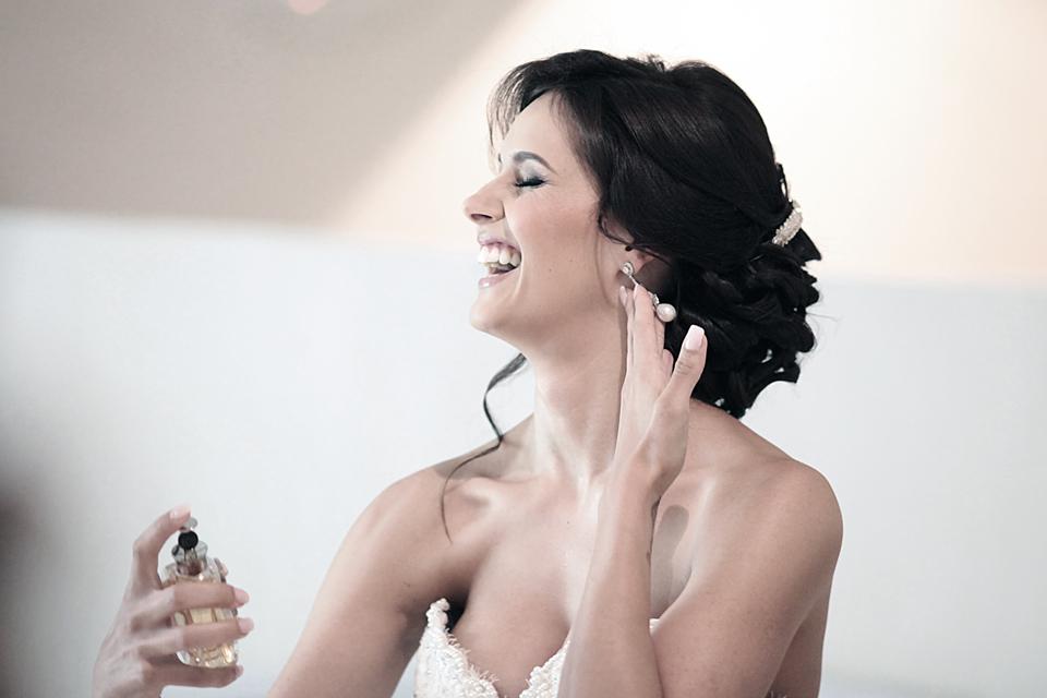 nicole-flint-miss-southafrica-wedding-cranford-country-lodge-wedding-weddingphotographers-desitnationweddings-parisweddings-003l.jpg