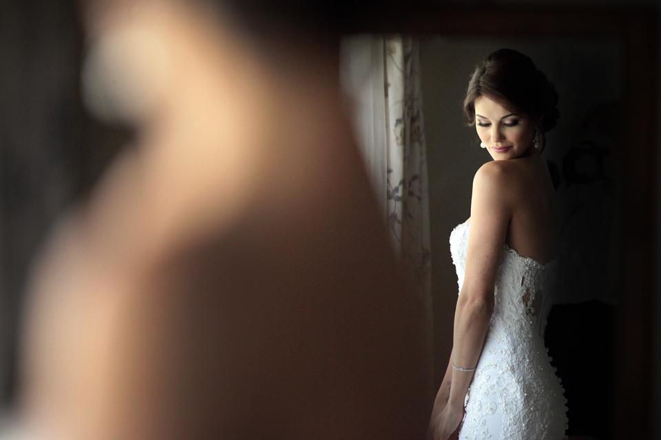 nicole-flint-miss-southafrica-wedding-cranford-country-lodge-wedding-weddingphotographers-desitnationweddings-parisweddings-003m.jpg