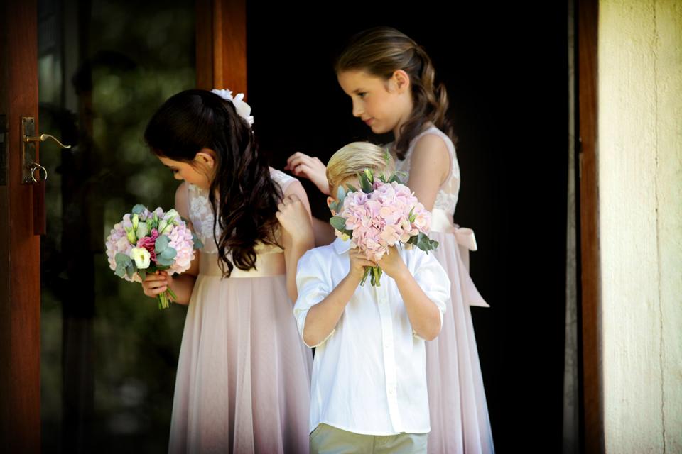 nicole-flint-miss-southafrica-wedding-cranford-country-lodge-wedding-weddingphotographers-desitnationweddings-parisweddings-004.jpg