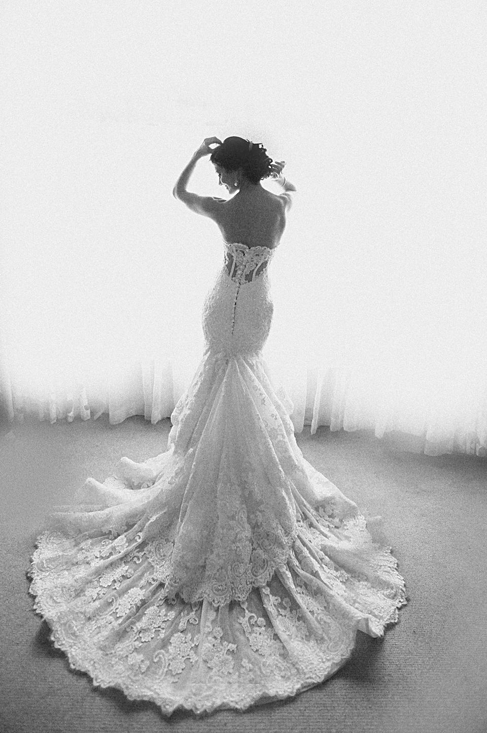 nicole-flint-miss-southafrica-wedding-cranford-country-lodge-wedding-weddingphotographers-desitnationweddings-parisweddings-009.jpg