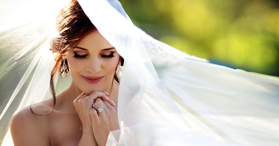 nicole-flint-miss-southafrica-wedding-cranford-country-lodge-wedding-weddingphotographers-desitnationweddings-parisweddings-010.jpg