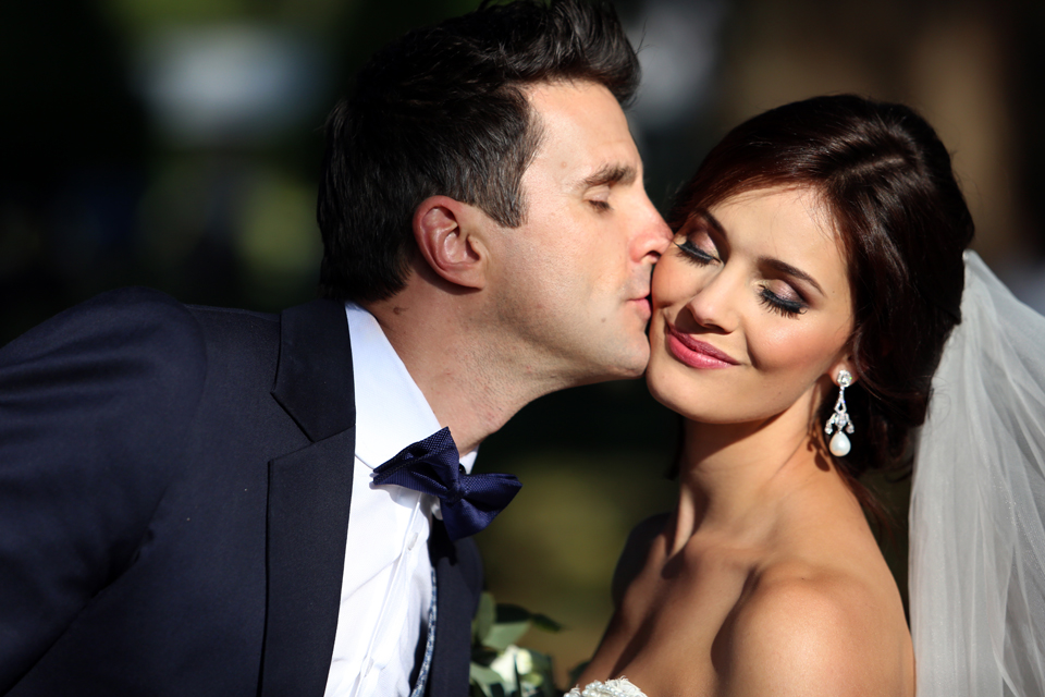 nicole-flint-miss-southafrica-wedding-cranford-country-lodge-wedding-weddingphotographers-desitnationweddings-parisweddings-020.jpg