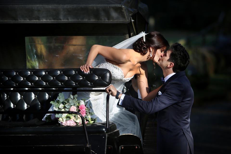 nicole-flint-miss-southafrica-wedding-cranford-country-lodge-wedding-weddingphotographers-desitnationweddings-parisweddings-021.jpg