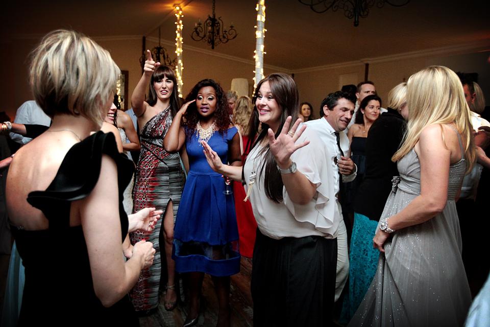 nicole-flint-miss-southafrica-wedding-cranford-country-lodge-wedding-weddingphotographers-desitnationweddings-parisweddings-049m.jpg