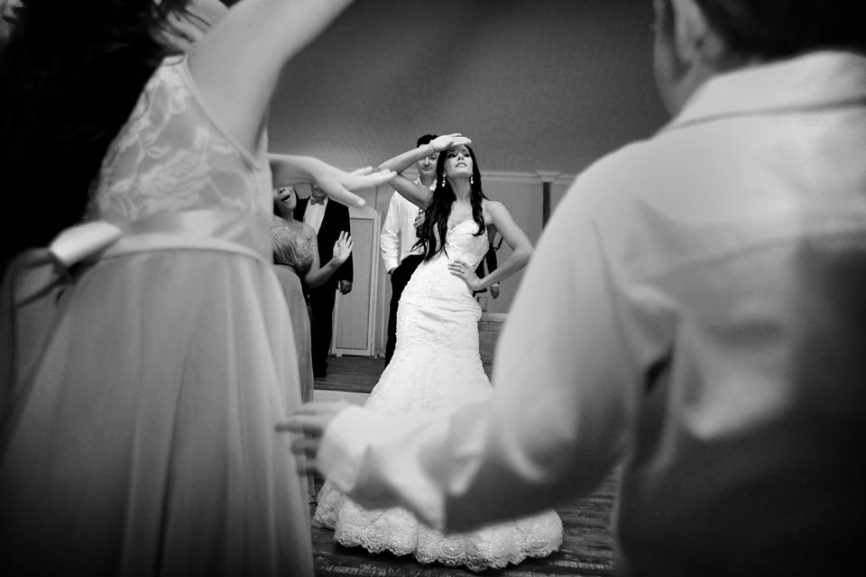 nicole-flint-miss-southafrica-wedding-cranford-country-lodge-wedding-weddingphotographers-desitnationweddings-parisweddings-049y.jpg
