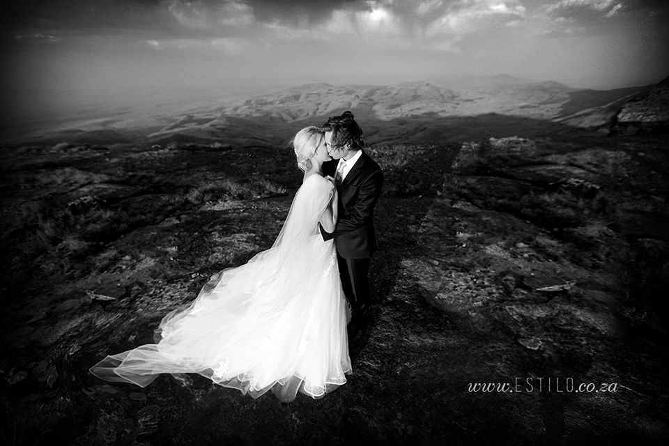 cathedral_peak_wedding_photography_wedding_at_catherdral_peak_south_africa_best_wedding_photographers_south_africa (7).jpg