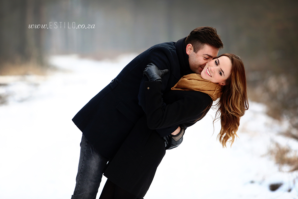 poland_engagement_shoot_winter_engagement_shoot_engagement_shoot_in_snow (2).jpg
