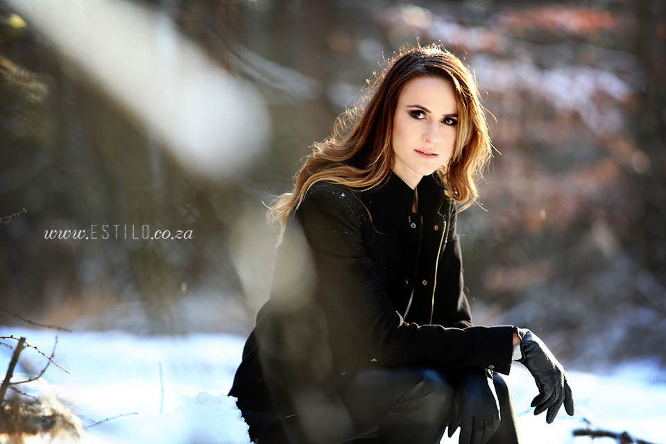 poland_engagement_shoot_winter_engagement_shoot_engagement_shoot_in_snow (4).jpg