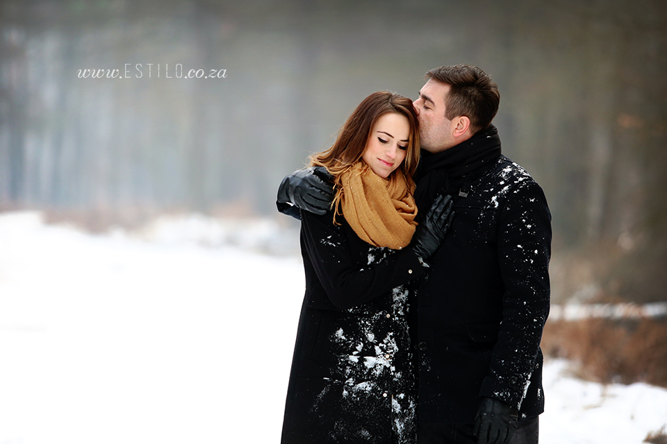 poland_engagement_shoot_winter_engagement_shoot_engagement_shoot_in_snow (10).jpg